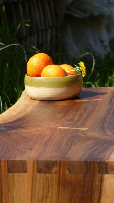 Table basse en Noyer de Pays.